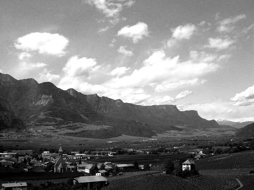 Alto Adige Black and White